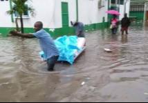 haiti-people-flood-16